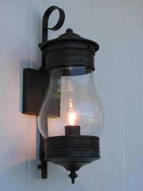Goldstein809 Wall Lantern