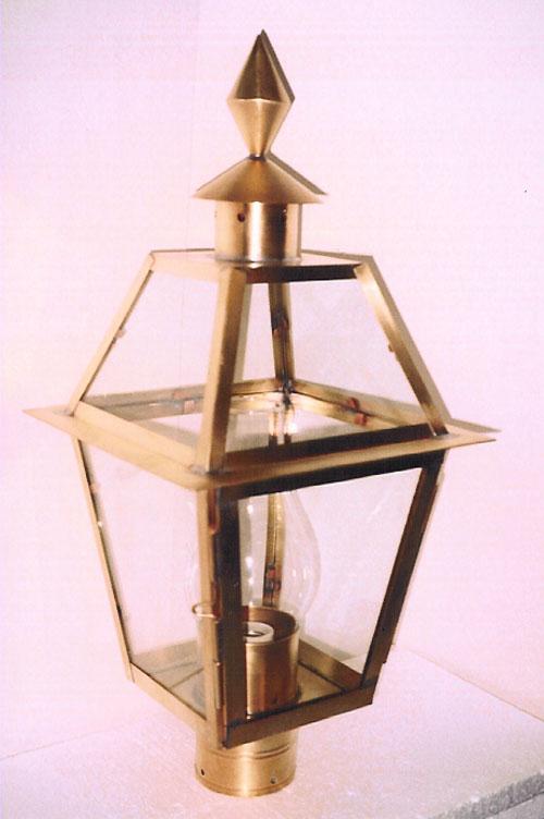 P17 Georgetown Post Lantern